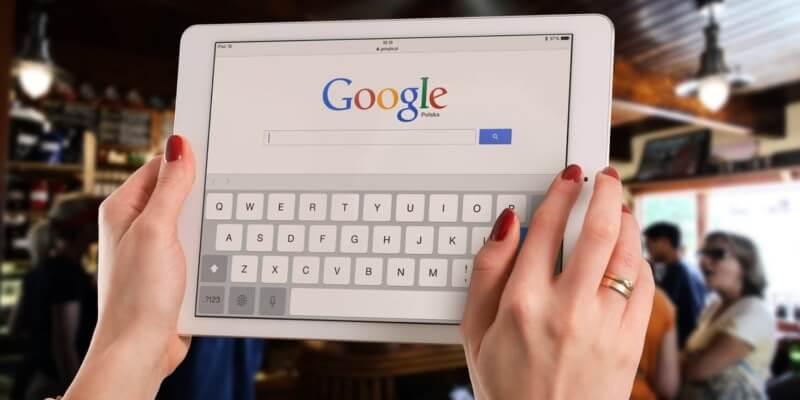 iPad exibindo o Google