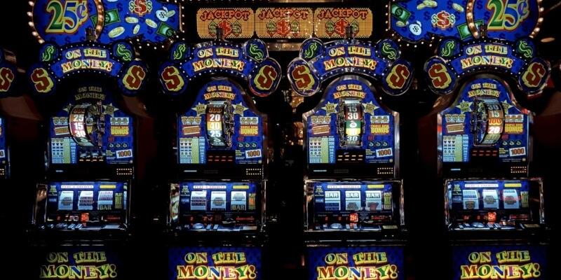 Random number generator and slot games